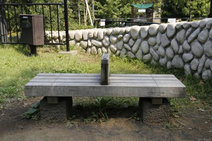 3:このベンチで座って意味不明なことを叫んでいた