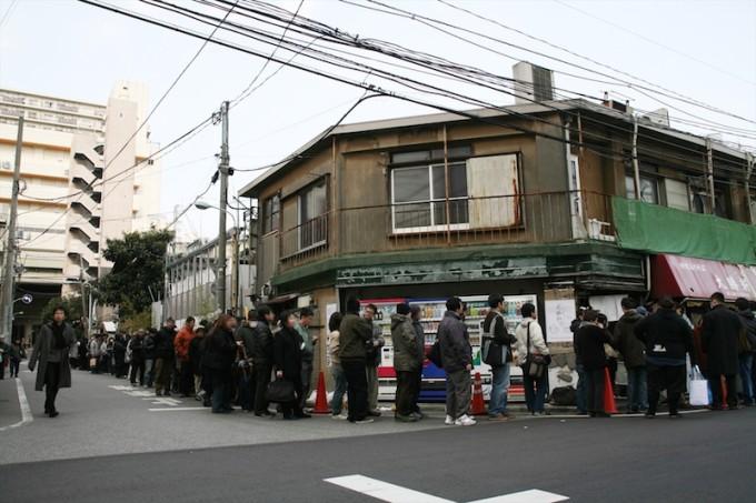 2007年3月20日閉店。いつもより長い行列ができた