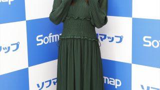 バレンタインは「お姉ちゃん(元AKB48の板野友美)とクッキー製作をしようっていうLINEが来ていてやります!」。板野成美がイメージDVDでみずみずしい肢体を大胆に開放!